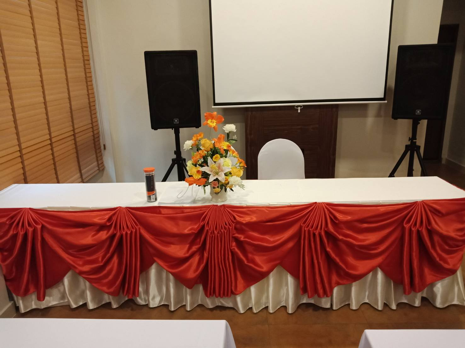 MULTI-FUNCTION ROOM